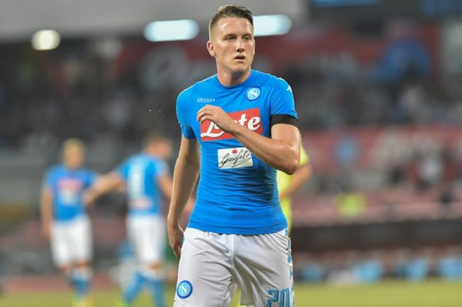 Piotr Zielinski of SSC Napoli during the Serie A TIM match between Napoli and Bologna at Stadio San Paolo, Naples, Italy on 17 September 2016.  (Photo by Franco Romano/NurPhoto via Getty Images)